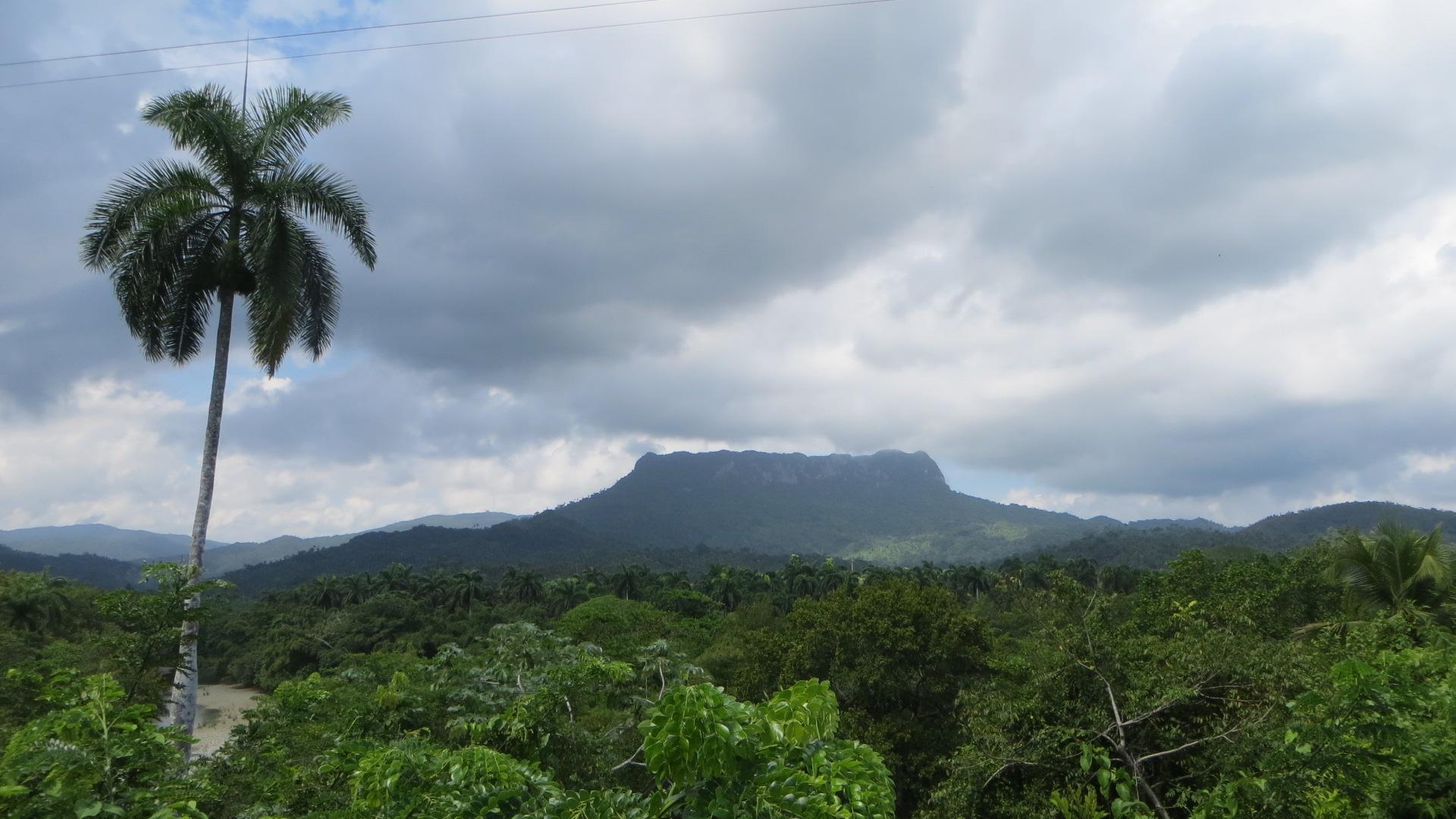 Kuba Baracoa El Yunque Baracoa - Humboldt Nationalpark- Blick auf El Yunque