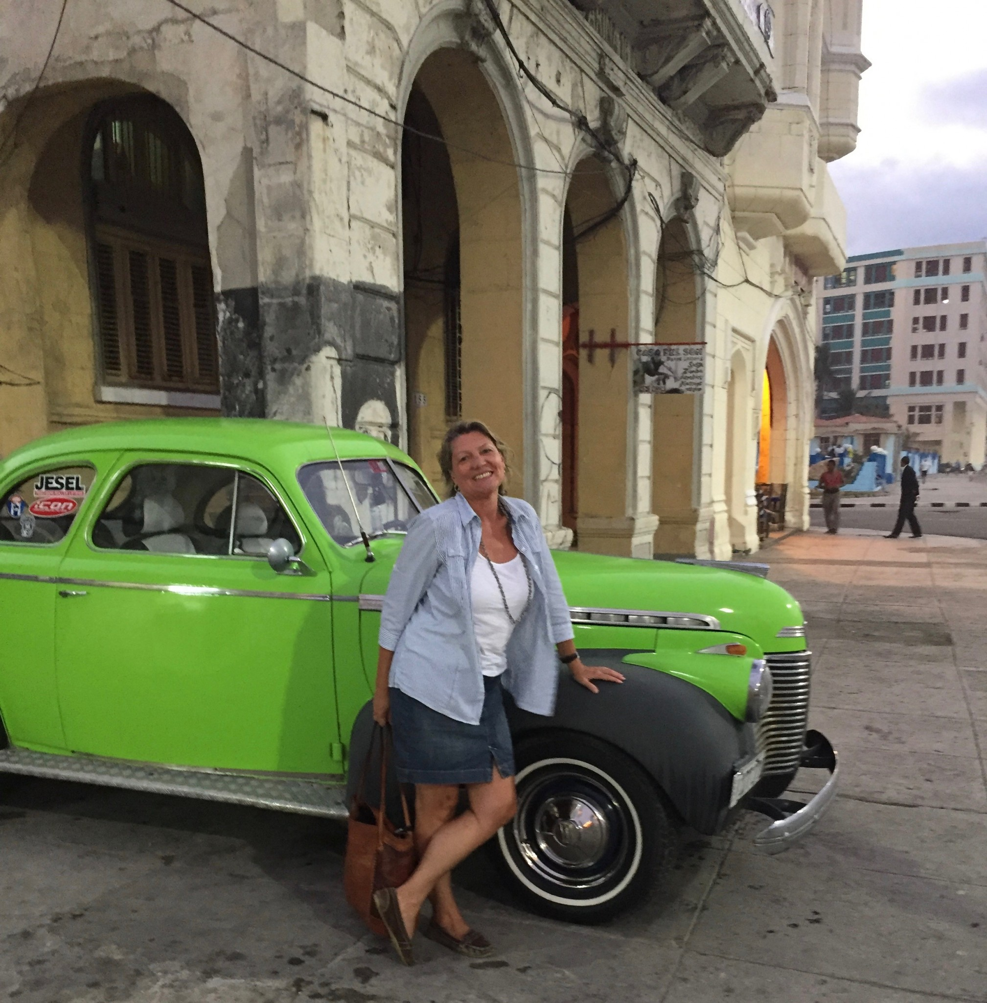 Kuba- Havanna - grüner Oldtimer