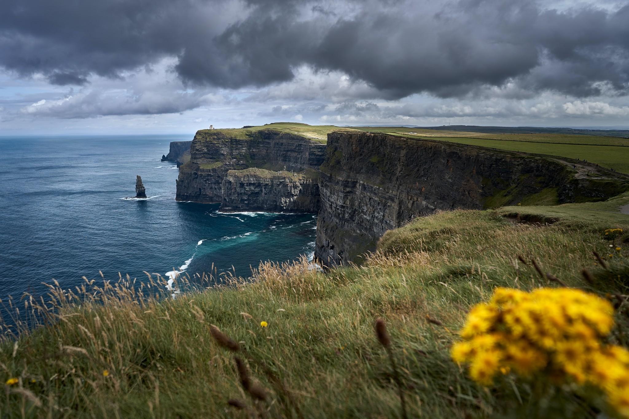 Irland-Blick auf Klippen und Meer