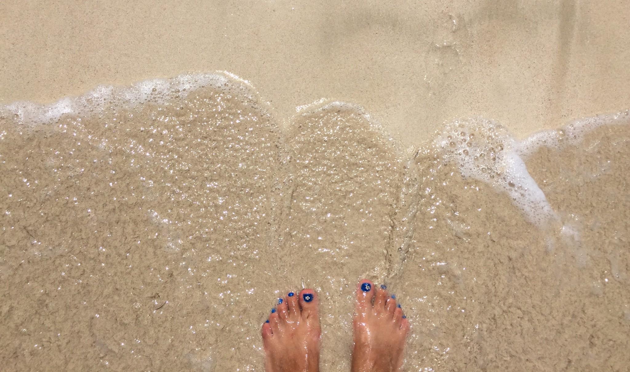 Strand-Füsse-im-Wasser-bk-IMG_2013