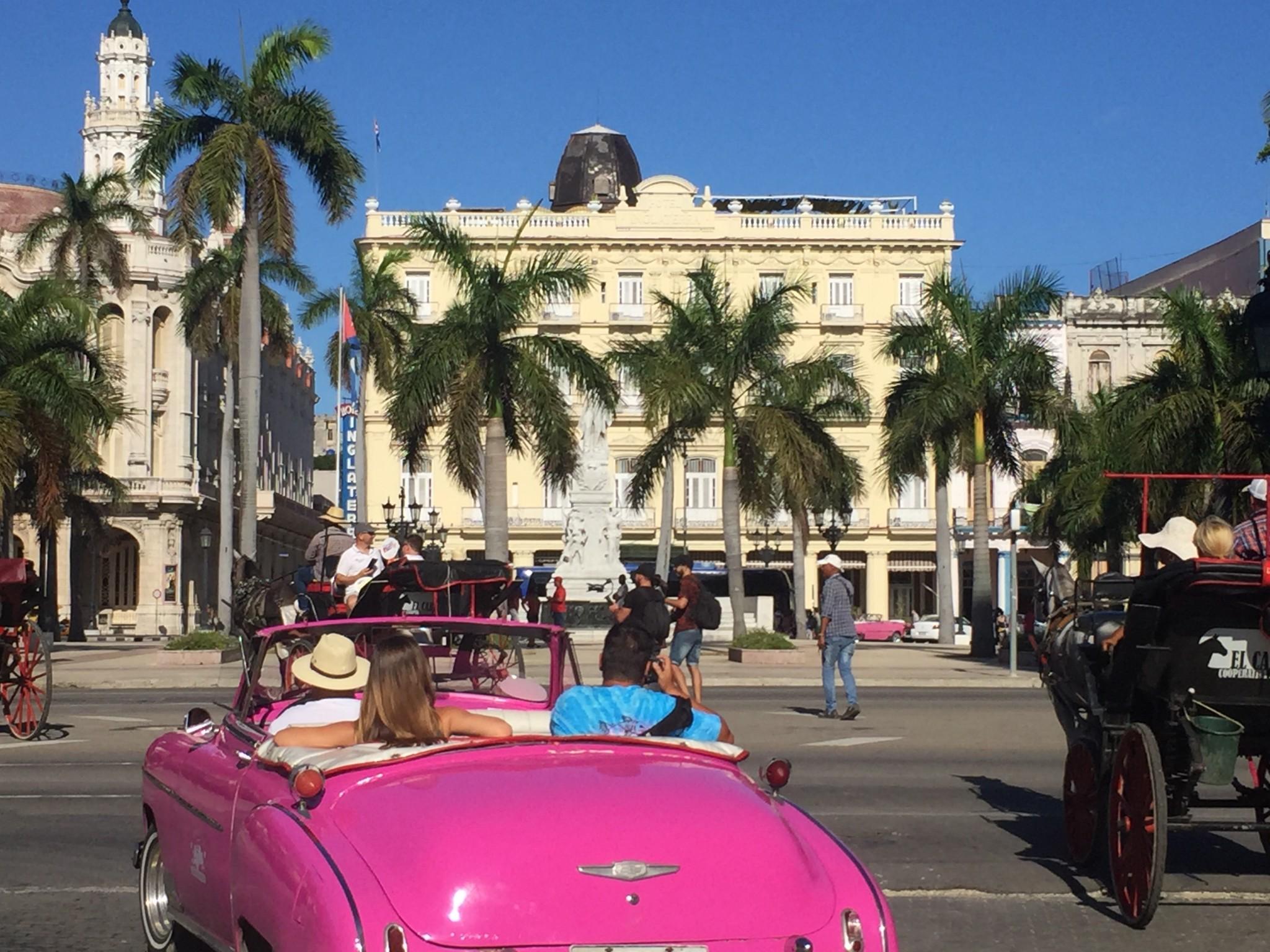 Kuba-Havanna-pinkfarbiger Oldtimer-IMG_6542-bk