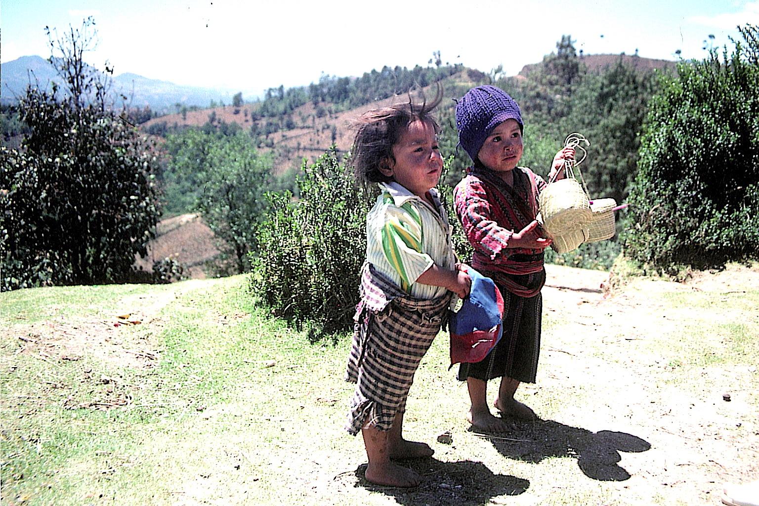 Guatemala Lago Atitlan-arme-kinder